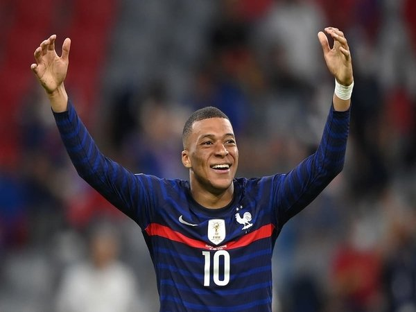 Andre Villas-Boas yakin bahwa Kylian Mbappe bakal segera menjadi penggawa dari Real Madrid / via Getty Images