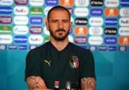 Leonardo Bonucci Jelaskan Prinsip Italia Tentang Gestur Berlutut