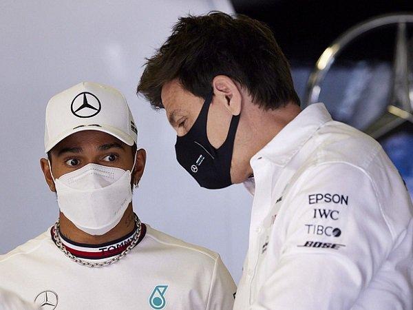 Mercedes, Lewis Hamilton, Toto Wolff