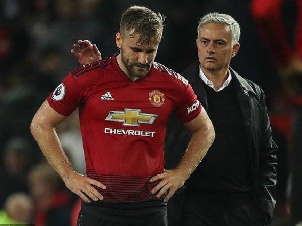 Rio Ferdinand tuduh Jose Mourinho terlalu berlebihan dalam mengkritik bek MU, Luke Shaw
