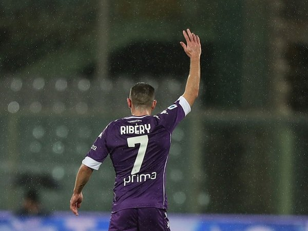 Franck Ribery tinggalkan Fiorentina.