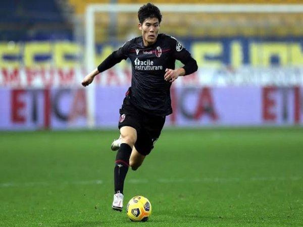 Tawaran Tottenham untuk Tomiyasu ditolak