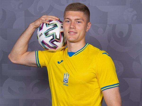 Striker timnas Ukraina, Artem Dovbyk.