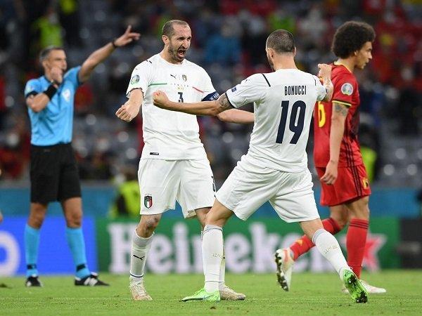 Giorgio Chiellini dan Leonardo Bonucci dapat pujian dari Bastian Schweinsteiger.