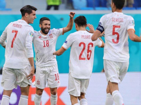 Spanyol berhasil melenggang ke babak semifinal usai menang adu penalti kontra Swiss.
