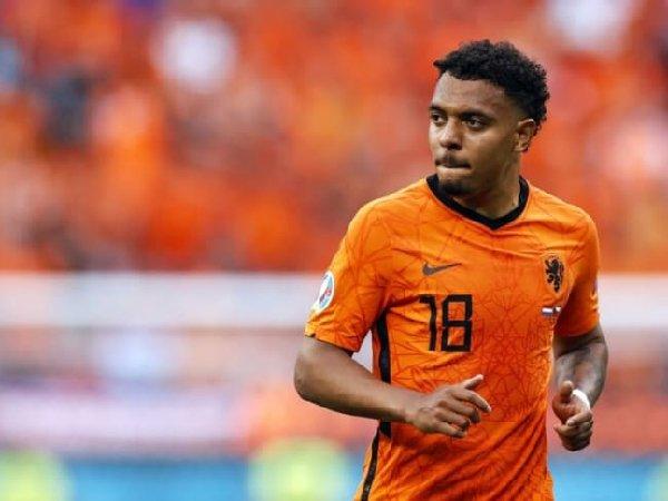 Borussia Dortmund tunjuk Donyell malen sebagai kandidat pengganti Jadon Sancho