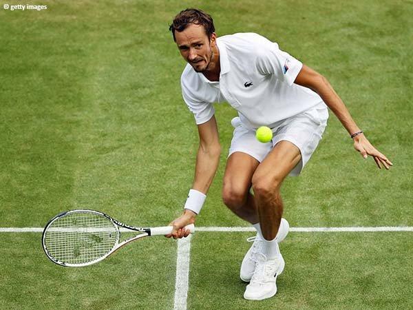 Daniil Medvedev jejakkan kaki di pekan kedua Wimbledon untuk kali pertama