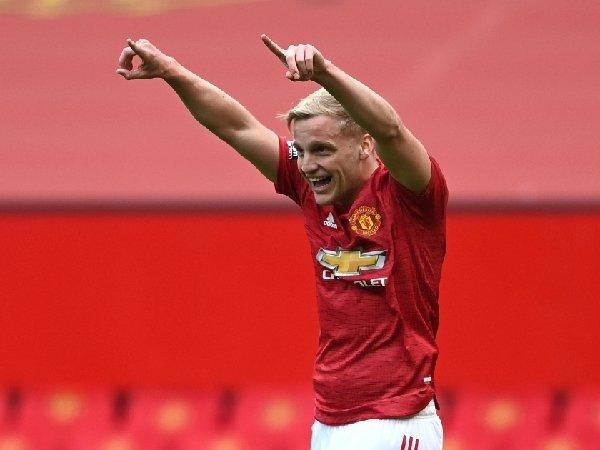 Real Madrid ingin pinjam Donny van de Beek dari Manchester United