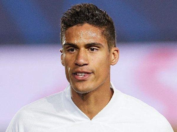 Raphael Varane ingin segera selesaikan transfer ke MU