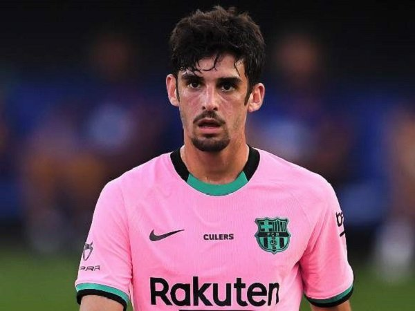 Barcelona resmi pinjamkan Francesco Trincao ke Wolverhampton Wanderers. (Images: Getty)