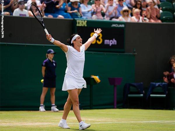 Ons Jabeur melangkah ke perempatfinal Wimbledon untuk kali pertama