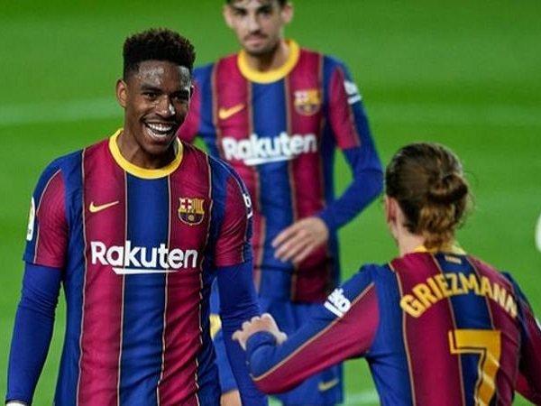 Junior Firpo resmi untuk meninggalkan Barcelona. (Images: Getty)