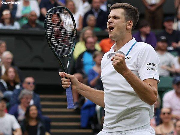 Hubert Hurkacz bungkam Daniil Medvedev demi perempatfinal di Wimbledon 2021