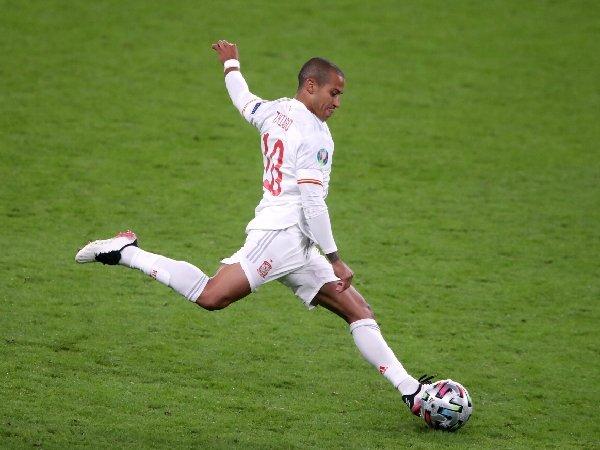 Rio Ferdinand ungkap bahwa MU pernah menolak Thiago Alcantara pada 2013 lalu