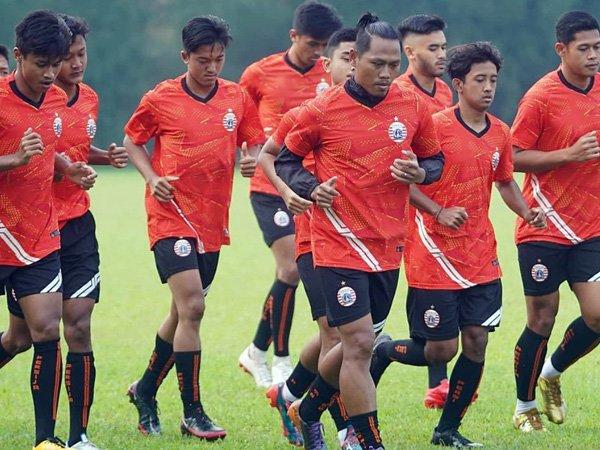 Latihan tim Persija Jakarta sebelum diliburkan