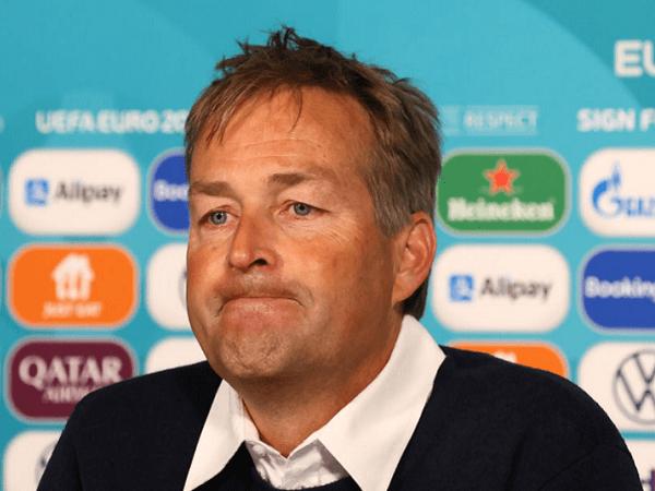 Kasper Hjulmand keluhkan penalti hantu Inggris.