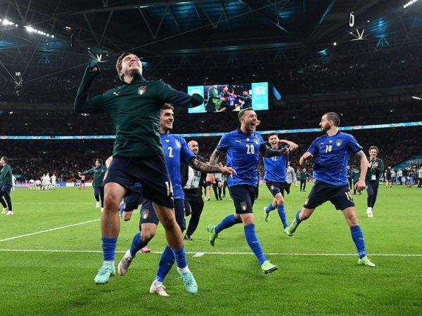 Italia didukung Uni Eropa untuk kalahkan Inggris.