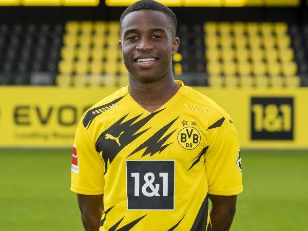 Pelatih Borussia Dortmund Ingin Lindungi Bakat Youssoufa Moukoko Liga Olahraga
