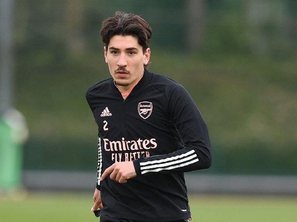 Hector Bellerin dikabarkan masuk dalam daftar jual Arsenal