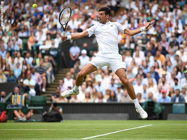 Novak Djokovic bungkam Denis Shapovalov di semifinal Wimbledon 2021