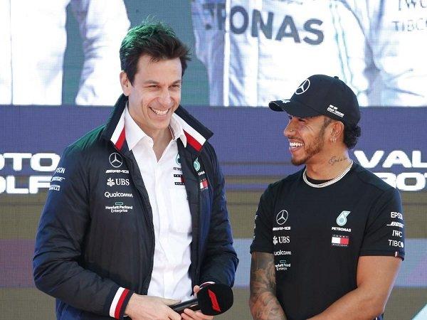 Mercedes optimistis bisa balas dendam kepada Red Bull di GP Inggris.
