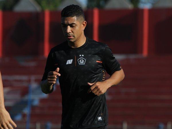 Pemain asing Persik Kediri, Dionatan Machado