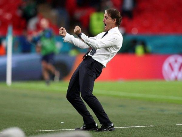 Roberto Mancini tuntut Italia bawa pulang trofi PIala Eropa 2020.