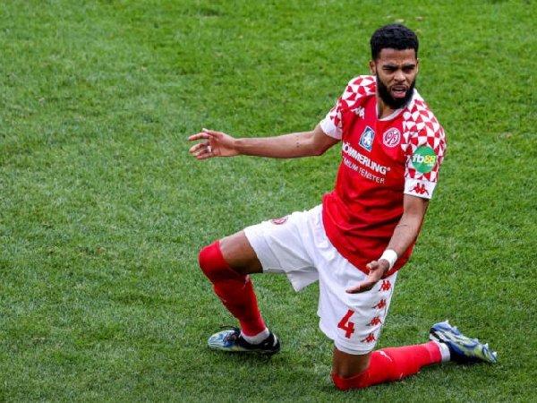 Borussia Dortmund belum ajukan tawaran untuk Jeremiah St. Juste