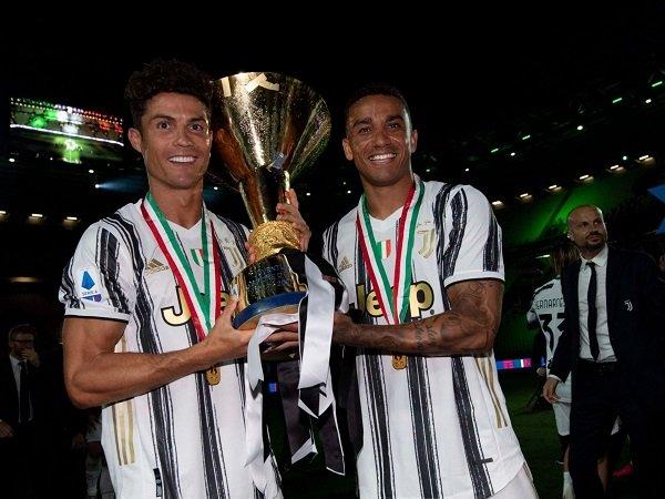 Danilo yakini Cristiano Ronaldo akan bertahan di Juventus.