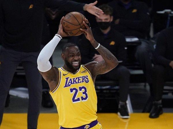 LeBron James tak mau hengkang dari L.A Lakers lagi.