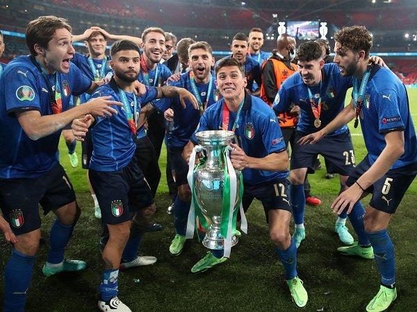 Italia mengirim lima wakil dalam tim terbaik Piala Eropa 2020.