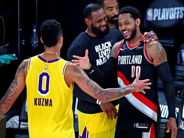 Los Angeles Lakers dikabarkan berminat gaet Carmelo Anthony.