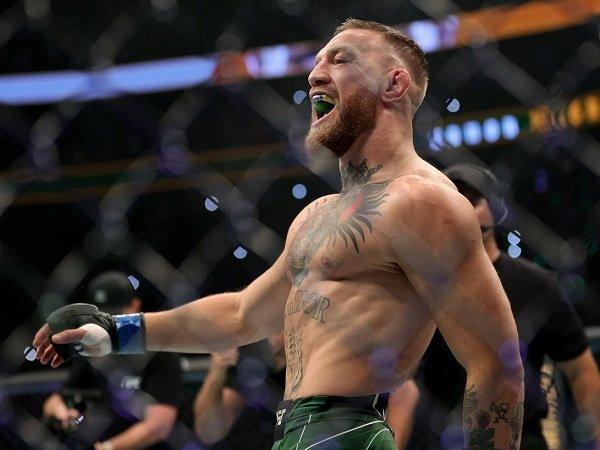 Conor McGregor sesalkan cedera kaki yang buatnya kalah lagi dari Dustin Poirier.
