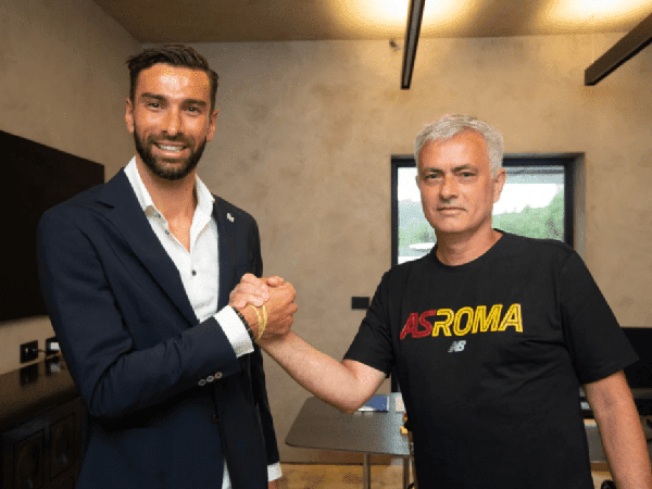 AS Roma resmi rekrut Rui Patricio dari Wolves