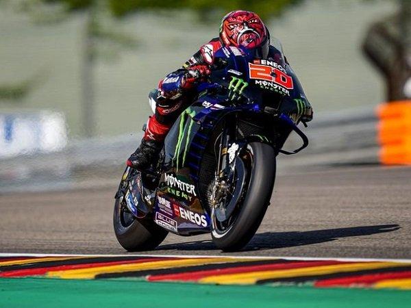 Fabio Quartararo masih belum puas akan kecepatan motornya.