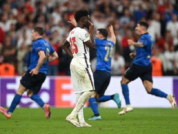 Bukayo Saka gagal mengeksekusi penalti di final Piala Eropa 2020