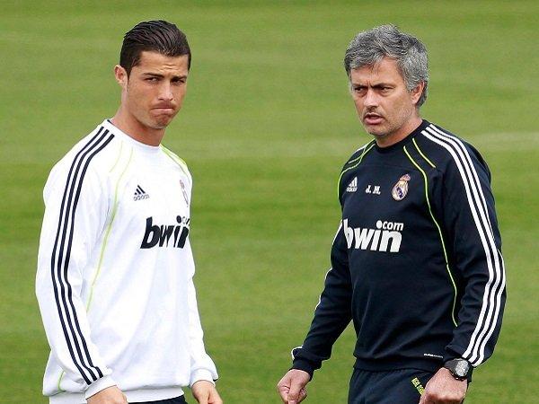 Florentino Perez katakan hal buruk tentang Cristiano Ronaldo dan Jose Mourinho.