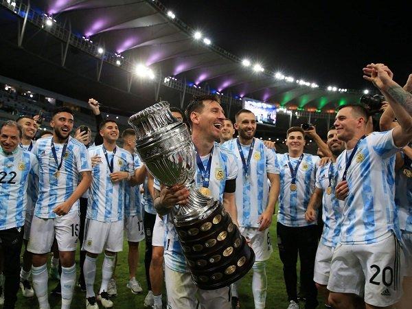 Lionel Messi sangat bahagia rengkuh Copa America bersama timnas Argentina.