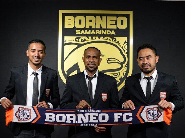 Boaz Salossa resmi diperkenalkan sebagai pemain anyar Borneo FC