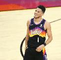 Devin Booker Merasa Belum Layak Dibandingkan Dengan Kobe Bryant