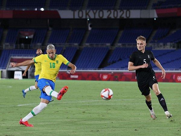Richarlison antar Brasil hantam Jerman 4-2 di partai pembuka Olimpiade Tokyo 2020.