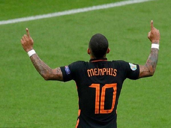 Memphis Depay tak sabar bermain untuk Barcelona. (Images: Getty)