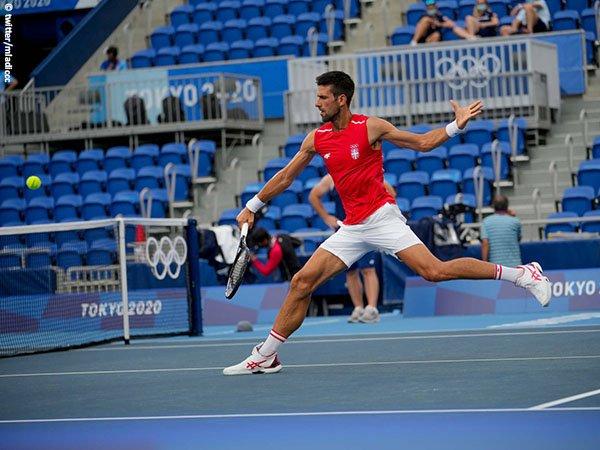 Novak Djokovic nikmati momen swafoto bersama atlet dunia dan penggemar di Olimpiade Tokyo
