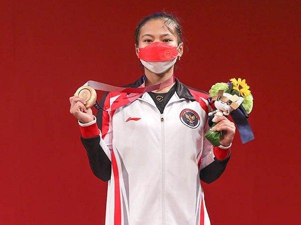 Windy Cantika Aisah saat meraih medali perunggu di cabang olahraga Angkat Besi Olimpiade Tokyo 2020.