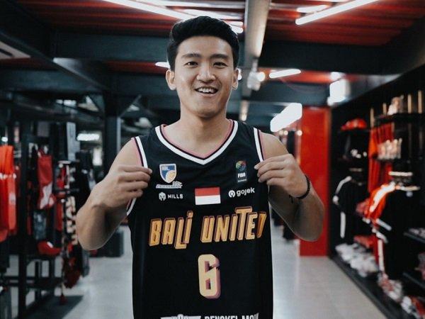 Bali United resmi dapatkan jasa Abraham Wenas.