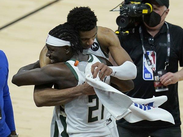 Giannis Antetokounmpo ingatkan semua pihak agar hormati Milwaukee Bucks.