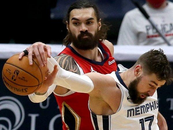 Memphis Grizzlies resmi tukarkan Jonas Valaciunas dengan Steven Adams. (Images: Getty)