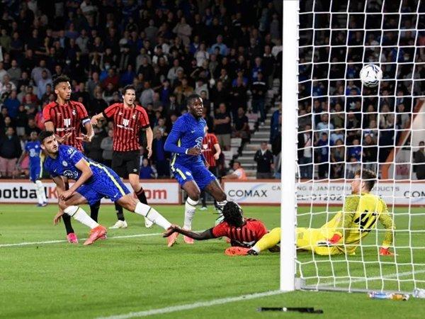 Armando Broja cetak gol ke gawang Bournemouth
