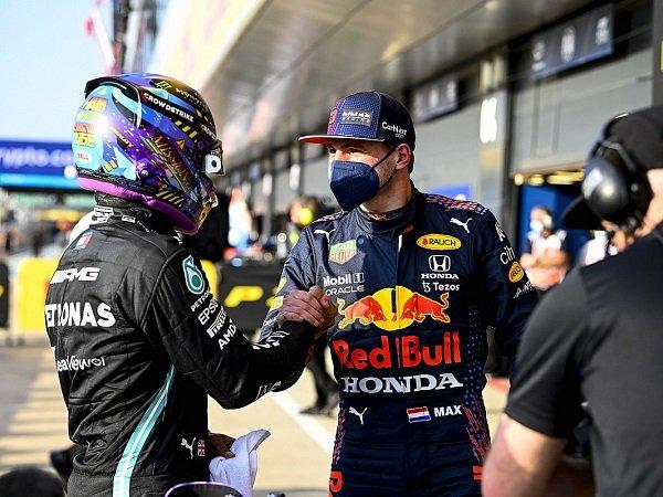 Mark Webber tak masalah lihat Hamilton dan Verstappen berduel ketat.