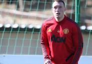 Solskjaer Konfirmasi Phil Jones Bertahan di Manchester United